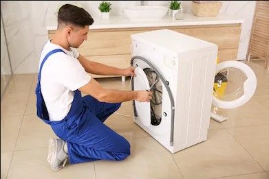 Leaking Washing Machine? Know Why Your Machine is Leaking